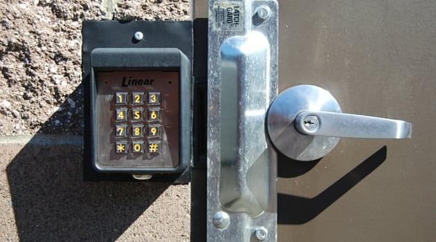 Entry door security keypad