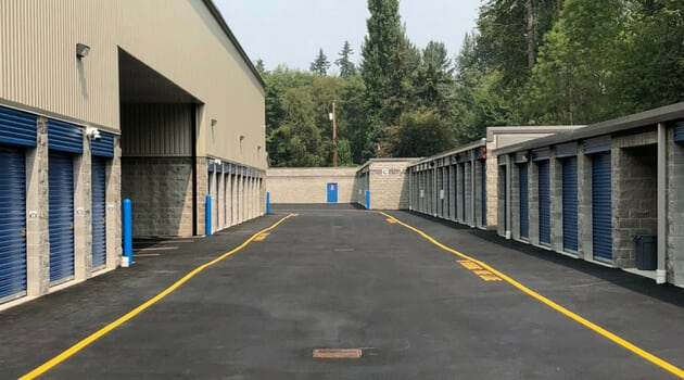 Wide drive aisles for truck entry