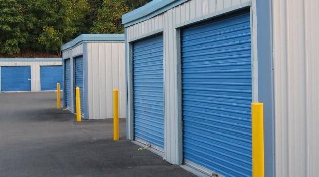 Large storage units at Maple Valley Mini Storage