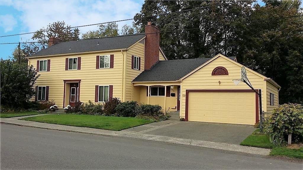 House in Cain Road Area Neighborhood - Olympia WA