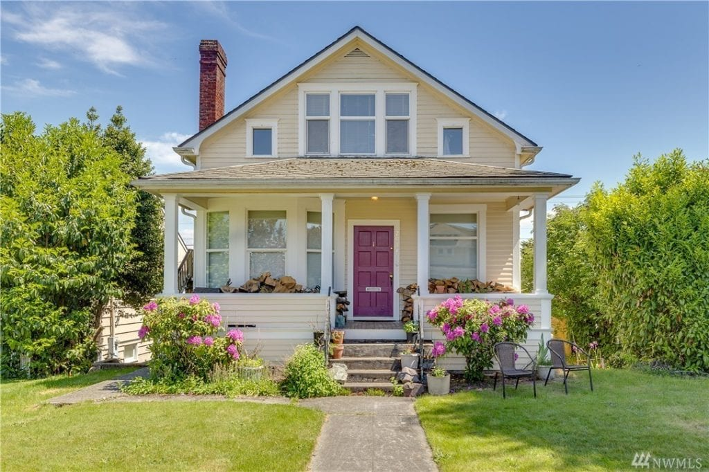 House in Bayside Neighborhood Everett WA