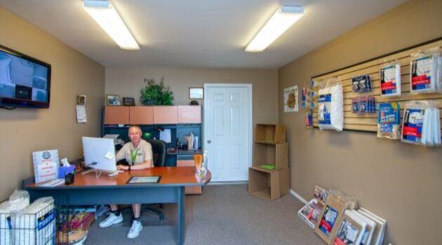 Richalnd Airport Mini-Storage, 2008 Butler Loop, Richland, Washington 99354 storage units 5