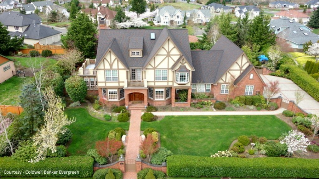aerial view of home in McAllister Park
