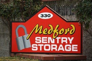 Medford Sentry Storage 330 Earhart St, Medford, Oregon 97501 - entry sign