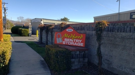 storage units medford oregon medford sentry storage 330 earhart st medford oregon 97501